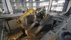 Super Jumbo Demolition Machine